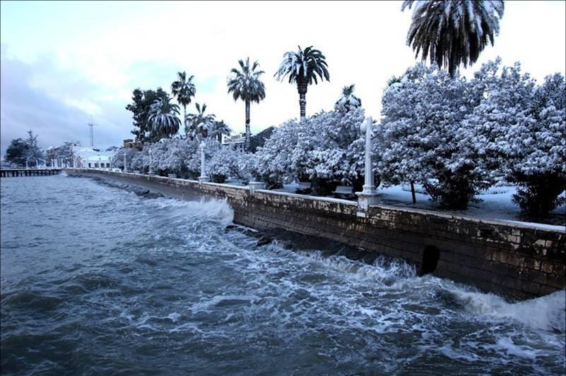 Сухум под белым покрывалом января