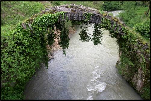 Произведение древнегрузинских зодчих - Беслетский мост