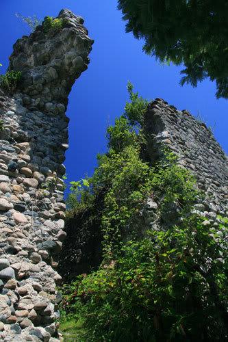 Келасурская башня - первая из 279 башен Великой Абхазской стены