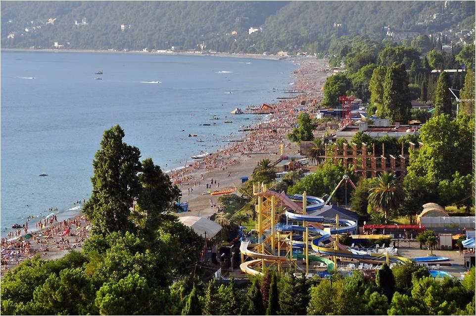 Бешеная популярность пляжного отдыха в Гагре