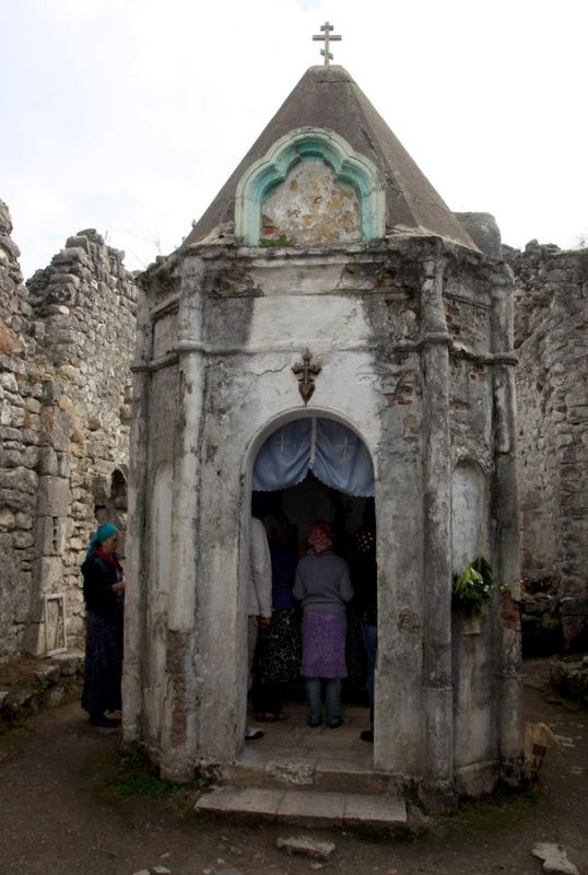Святое место Анакопийской крепости
