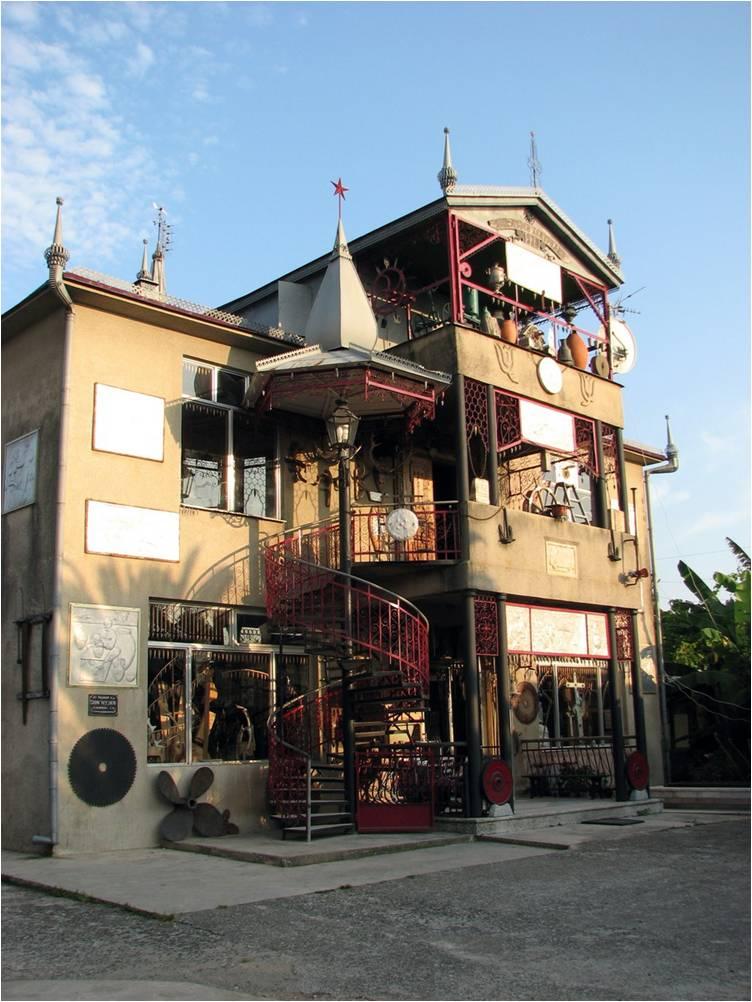 Достопримечательность Пицунды - Дом-музей этнографии