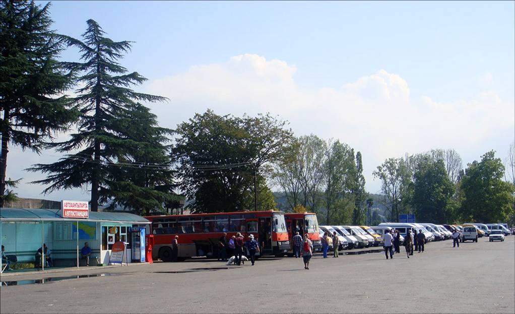 Большой выбор маршруток и междугородных автобусов автовокзала Псоу