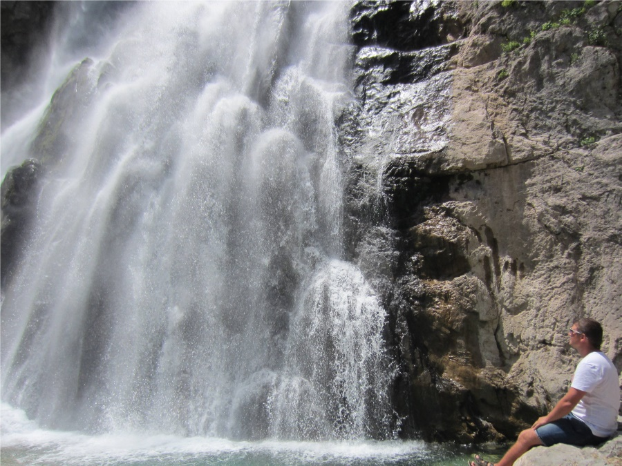 Хрустальная мелодия Гегского водопада