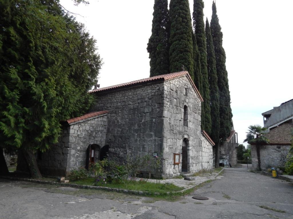 Храм Святого Ипатия на территории крепости Абаата