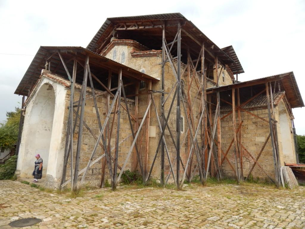 Храм Успения Божьей Матери в селе Лыхны