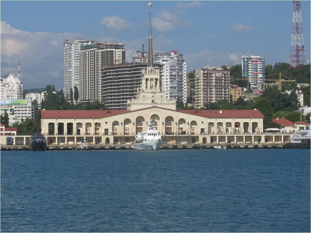 Морской вокзал – одна из достопримечательностей Сочи