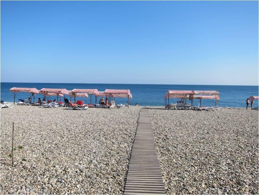 """Пляж отеля """"Дельфин"""" в Лидзаве"""