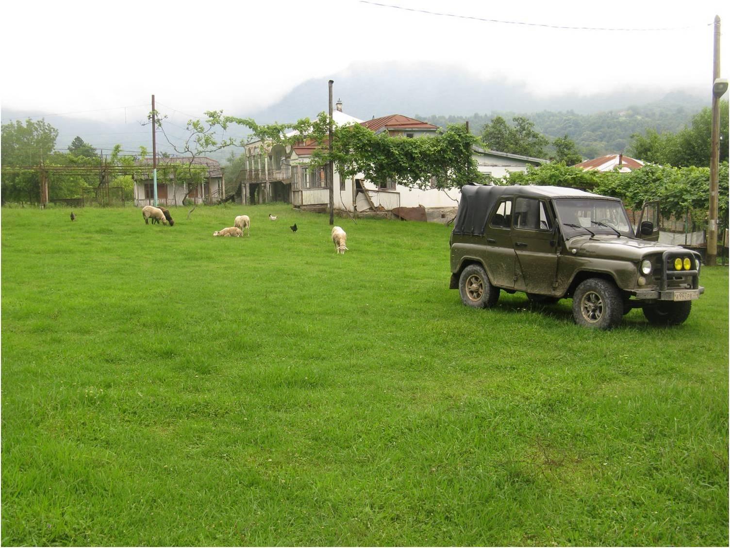 Изумрудный двор абхазского села Анухва