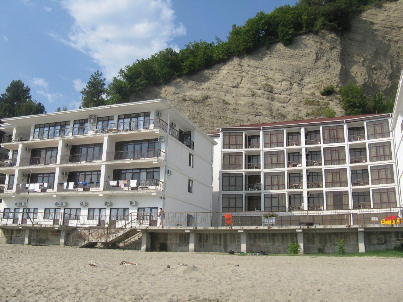 Новые отели на окраине Рыбзавода