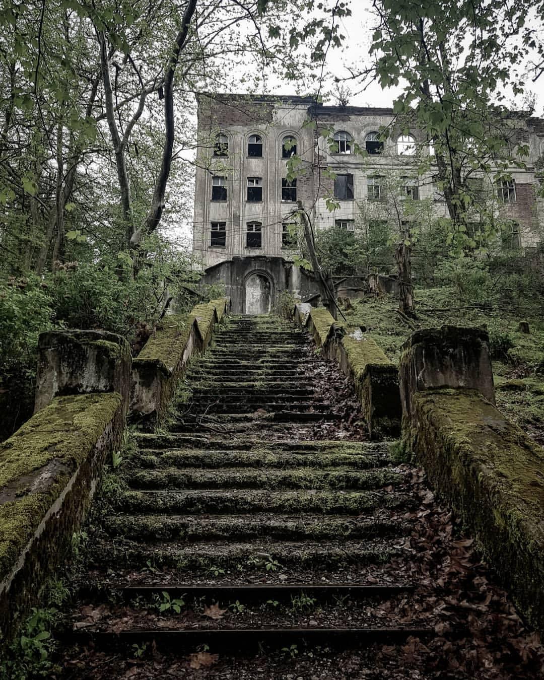 Лестница в постапокалипсис