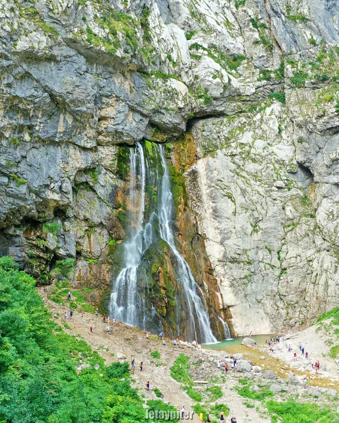 Гегский водопад - одна из самых популярных достопримечательностей Абхазии