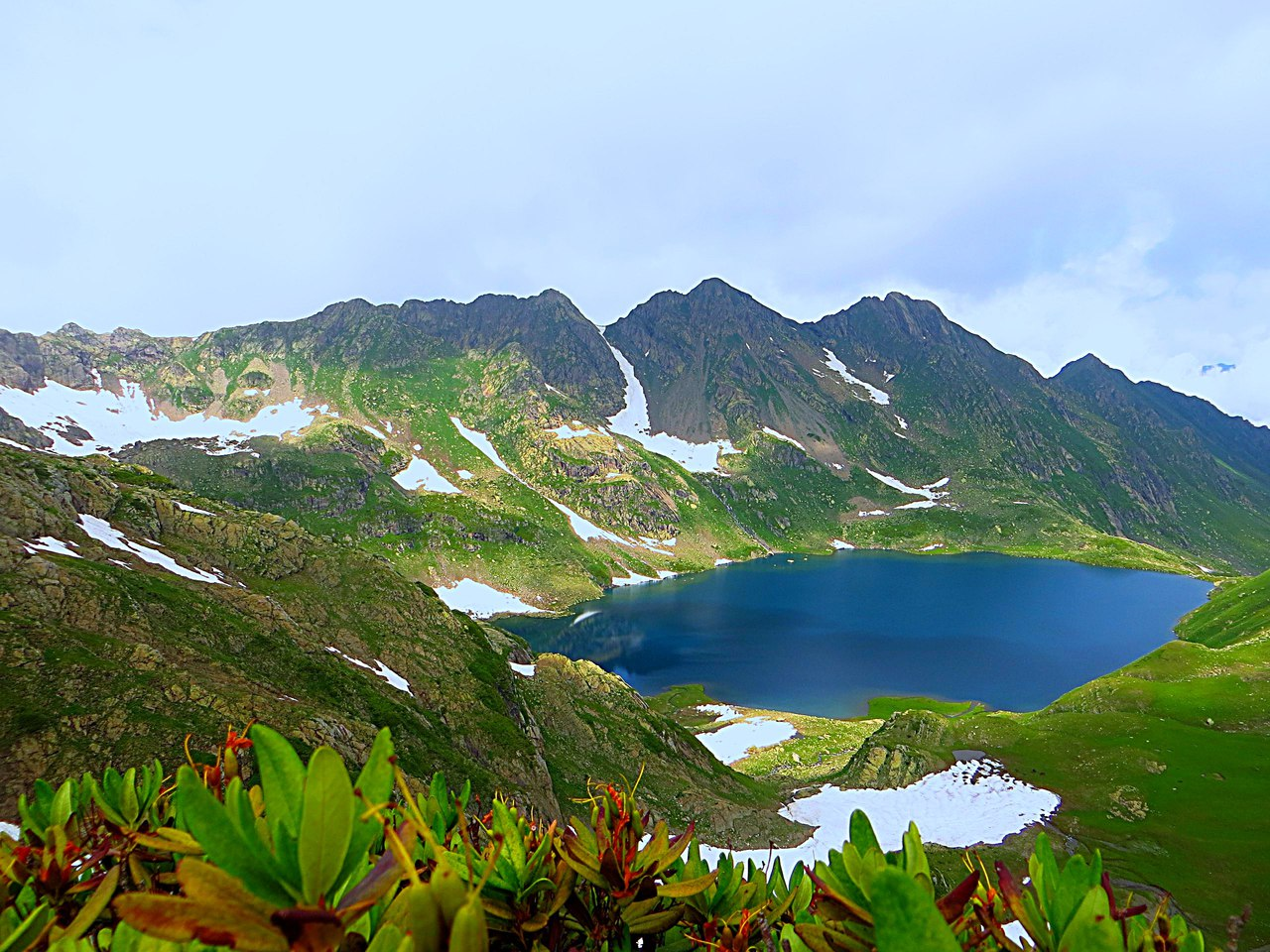 Высокогорное озеро Адуэда
