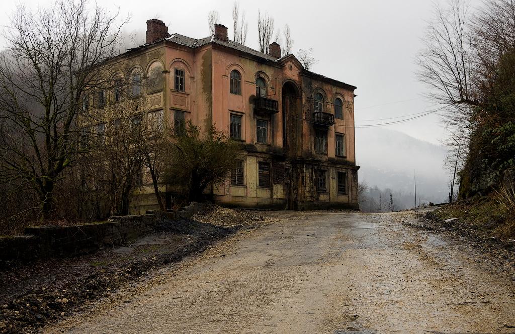 Самый обыкновенный дом-призрак в городе-призраке